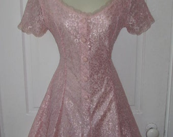 LOVELY IN LACE // Vintage Pretty in Pink Romper Jumper Shorts 80's Skirt Size Small Lace Overlay Extra Femme Collection Dress