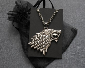 Game of Thrones House of Stark direwolf sigil necklace – Winter Is Coming – Stark family crest pendant