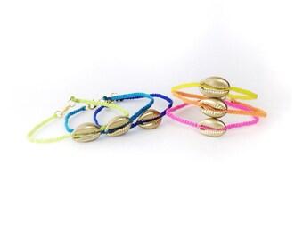 Gold Shell Bracelet - Cowry Shell Bracelet, Cowrie Shell Bracelet, Golden Cowry Shell, Golden Shell Bracelet, Gold Macrame, Neon Bracelet