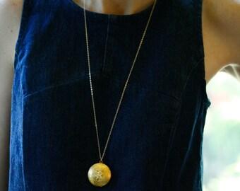 Floral Locket Necklace, 14kt Long Gold Necklace Chain, Gold Locket, Perfume Leaf Pendant Flower Locket, Round Locket Gold, Leaf Jewelery