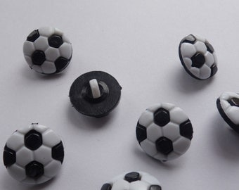 10 Football Buttons - Black and White - 15mm - Ideal for kintting, sewing, art and craft, ect.