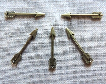 Arrow Charms x 5. Dagger Charms. Bronze tone alloy Metal.  UK Seller