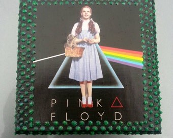 an introduction to the pink floyds and the wizard of oz Dark side of the rainbow: pink floyd meets the wizard of oz in one of the earliest mash-ups (when they don't call it dark side of oz or the wizard of floyd).