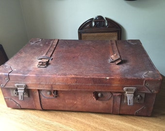 Large Vintage Suit case with Wooden slats to underneath