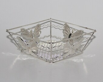 CLEARANCE-Squared Butterfly Metal Wire Baskets