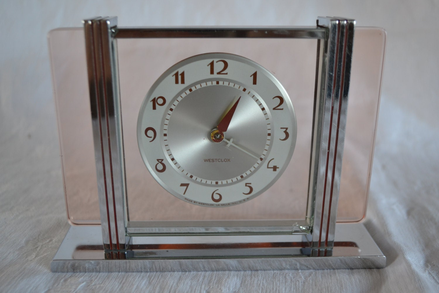 Westclox leland art deco pink glass alarm clock by Art deco alarm clocks