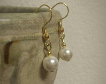 Swarovski Single Pearl Drop Earrings (Gold)