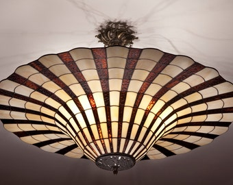 Tiffany vintage ceiling light. Bell lampshade. Ceiling light fixture. Big lampshade. Hanging lamp stained glass.