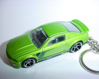 3D 2007 Ford Mustang GT custom keychain by Brian Thornton keyring key chain finished in green color trim diecast metal body