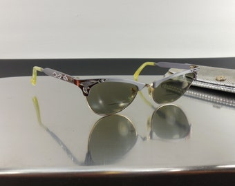 1950-60s Cat Eye Bifocal Sunglasses - M/C Etched Aluminum - 1/10 12K Gold - Etched Lavender Cranberry