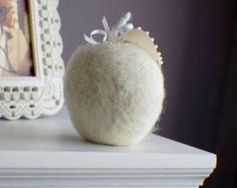 Wedding Favors, Felted Apple, Bridal Shower Favors, Wedding Shower Favor Wedding Favors Mother of the Bride Favor Felted Apple