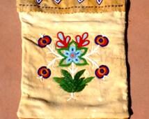 Native Beaded Bag // Indian bag // Native Artifact