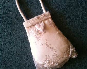 Handmade antique pink pear-shaped evening handbag with a 3-dimiensional tulle effect; satin lined