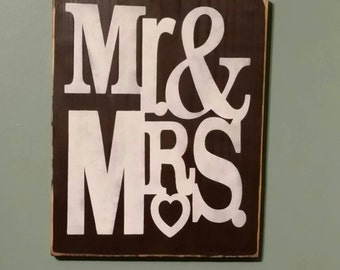Mr. & Mrs sign......great for wedding receptions!