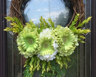 Spring hydrangea and Gerber daisy wreath
