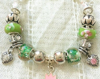 Spring Tulip Heart Charm Pink Green Glass Beads Bracelet 7.5 Inches