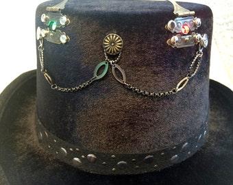 BLTH0004 Black Velvet Top Hat withPort & Starboard Lights