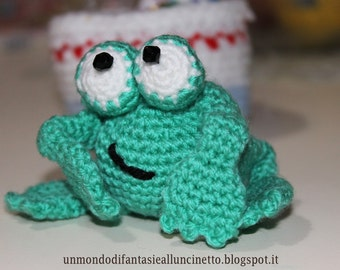 Amigurumi frog with folding legs