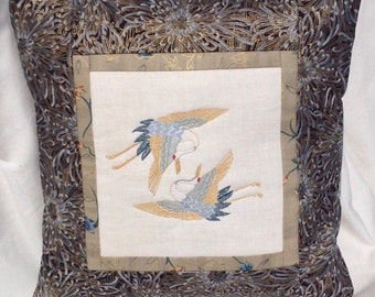 Embroidered Cushion cover - Embroidered quilted pillow - Oriental Cranes - Japanese pillow - Embroidered cushion - Gold accent - quilted