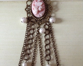 Pretty & chic brooch