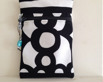 Medium sized pouch. Free shipping