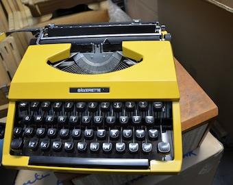 Vintage Portable Manual Typewriter SILVERETTE