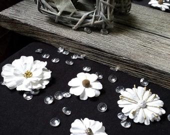 4 White Flower Hairclips