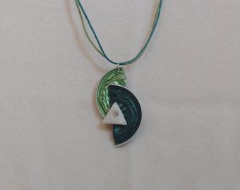 Peculiar green pendant
