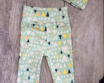 Baby Girl Leggings and Top Knot Headband. Baby Leggings and Headband. Trendy Leggings. Trendy Headband. Mint Triangles.