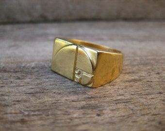 Elephant - Golden Ratio / Fibonacci Sequence - 3D printed, chunky signet ring in 18k gold. Cast using lost PLA - Handmade in UK