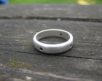 Mens hand forged fine silver and natural sapphire band