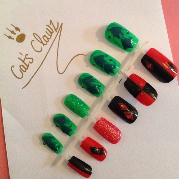 Items similar to harley quinn and poison ivy nails on etsy prinsesfo Image collections