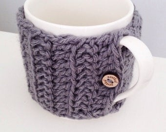Crochet mug cosy in grey