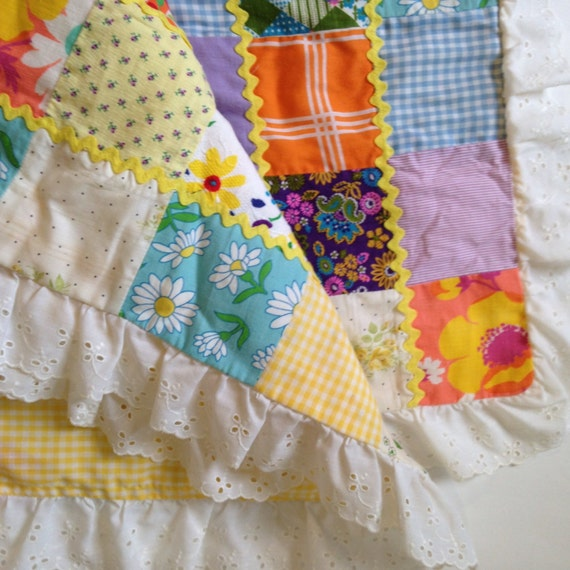 Vintage baby quilt patchwork fabric eyelet ruffle edging for Retro baby fabric