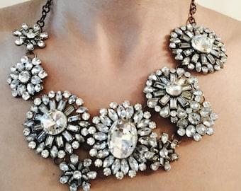 Elegant statement - fashion necklace