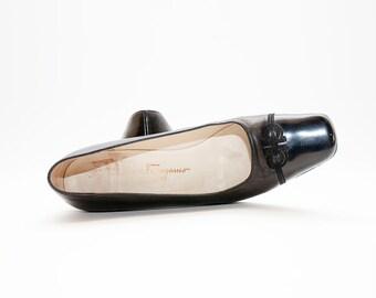 Salvatore Ferragamo ~ 90s ~ Black Kitten Heels ~ Size 8 2A
