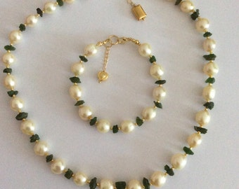 Large Cream Baroque Pearl and Rough Cut Green Chrome Diopside Necklace and Bracelet set. Natural Green Russian Chrome Diopside nuggets.
