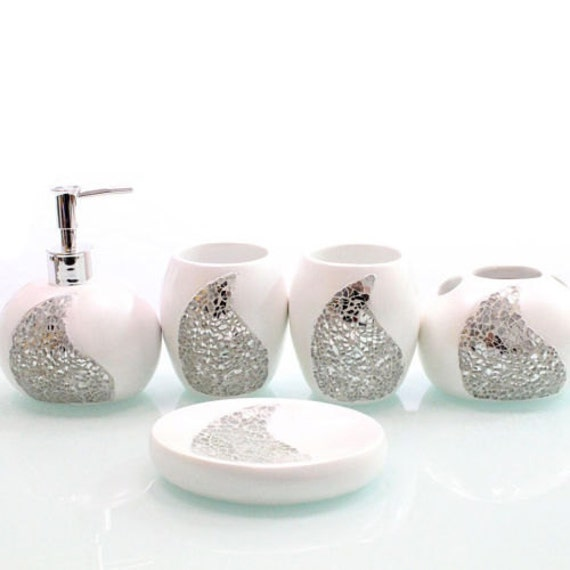 White elegant luxury silver leaf resin accessory by for Silver bathroom set