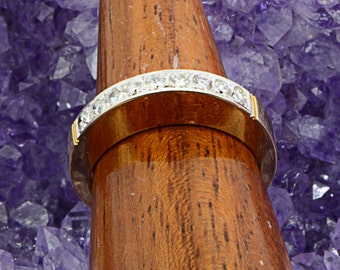 High Set 18ct Yellow Gold with Diamond Band