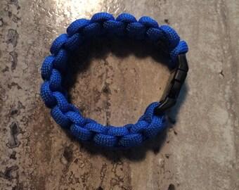1 Child-Sized Paracord Bracelet