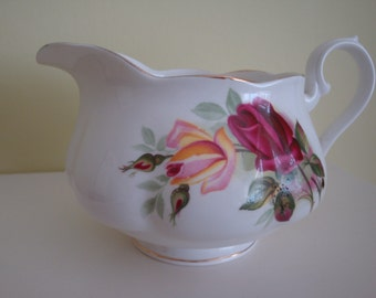 Bone China Richmond Gravy Boat Red Rose Design