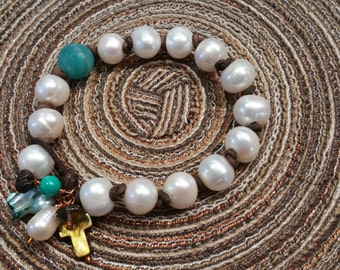Signature Freshwater Pearl Leather Bracelet