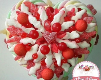 Candy Cake in the shape of heart (diameter 10 cm)