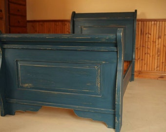 Bed carriage - boat bed pine head, footboard and Rails color blue soldier worn milk paint finish of Homestead House