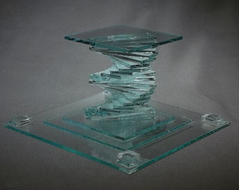 BASE FIVE, build this simple glass sculpture with our stacking techniques.