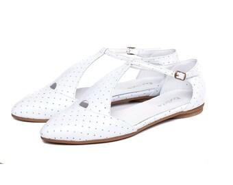 White sandals, women shoes, women sandals, wedding white shoes, flat sandals, white shoes, leather handmad shoes. Eiffel model
