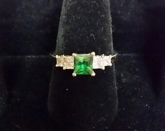 Silvertone Green Stone Ring
