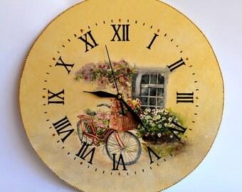 Handmade clock with decoupage technique
