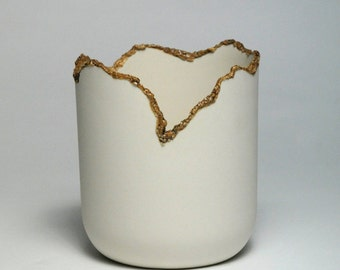Small Porcelain Vessel with Contrasting Glaze Detail