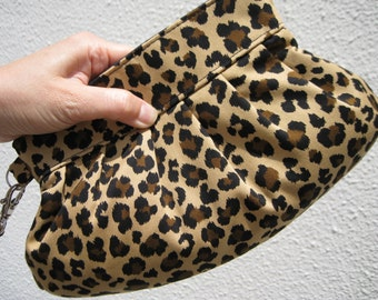 Bridesmaid clutch,janbag wristlet gift for her, pleated, cotton, pocket, brown - Leopard